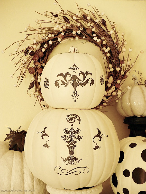 Black & White Pumpkin Topiary