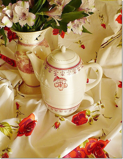 for one tea pot with cherry design