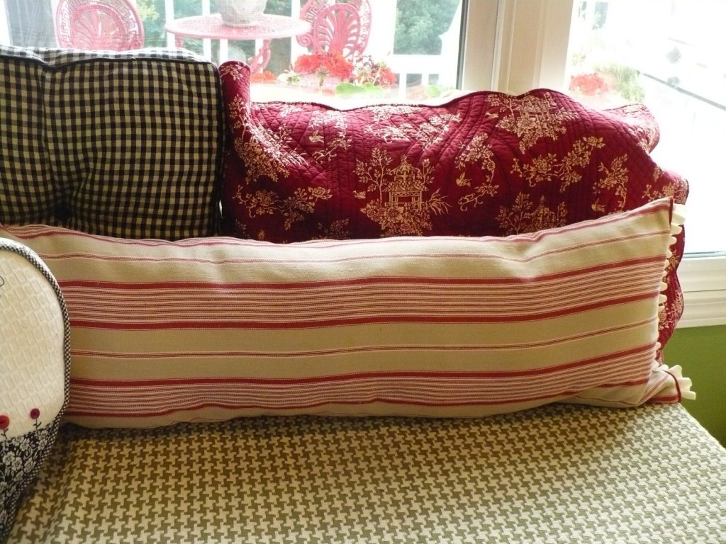 cottage style pillows