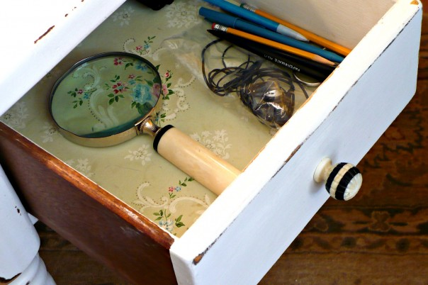 using vintage wallpaper to line a drawer