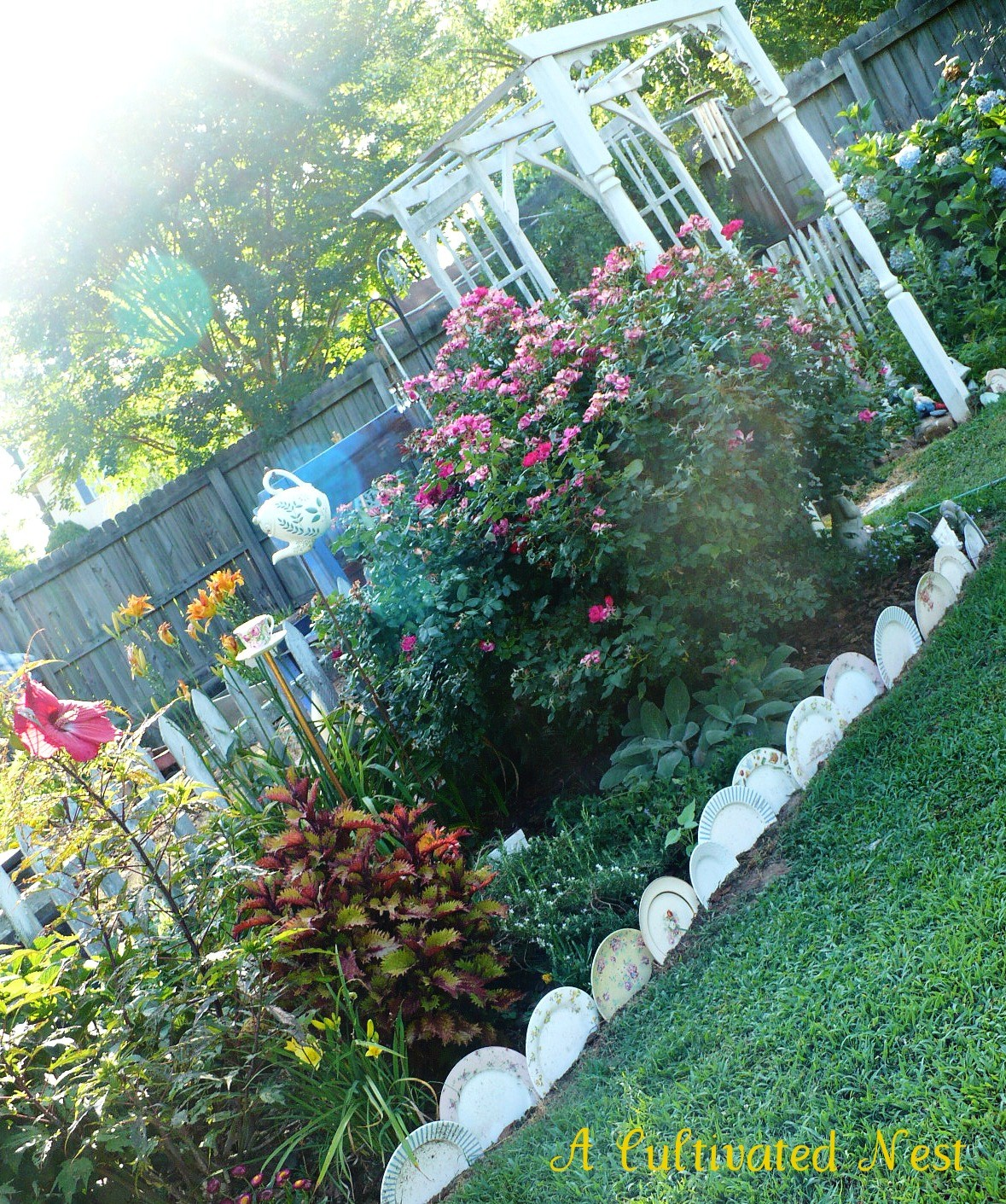 Garden Border Edging Ideas 25 garden bed borders edging ideas for vegetable and flower gardens Plates Edging Perennial Border