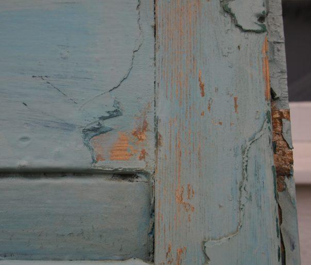 chippy shutter detail