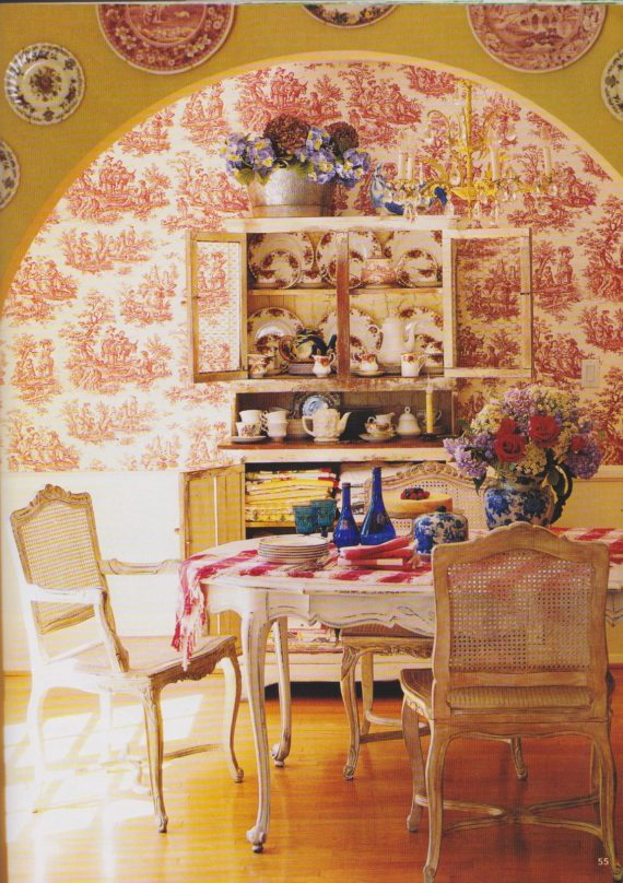 red toile dining room