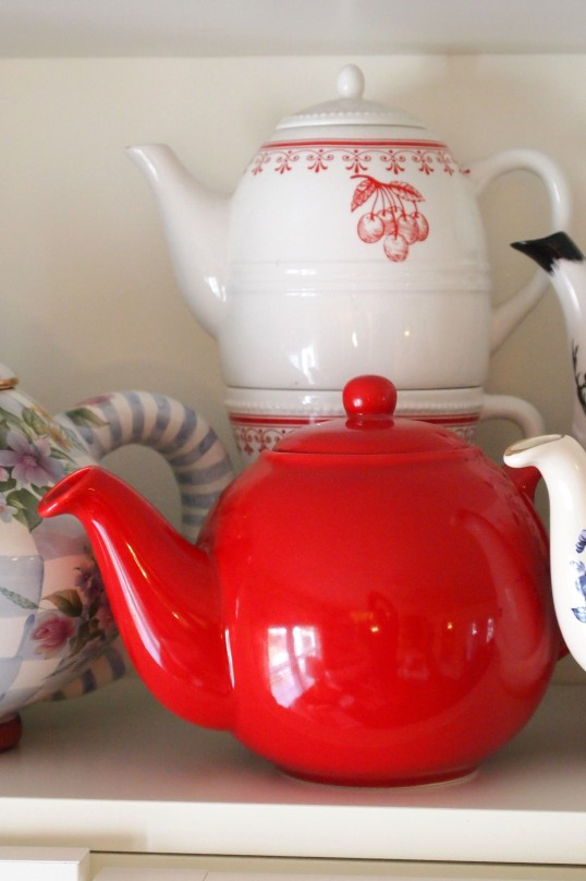 vintage cherry tea for one