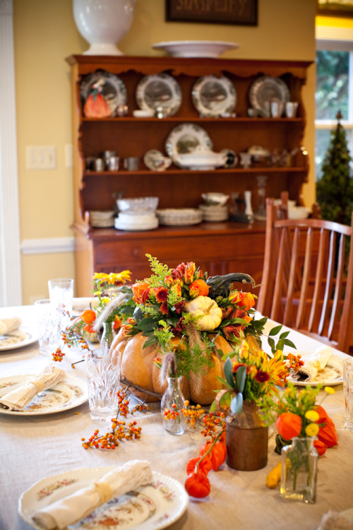Floral Pumpkin Centerpiece- Transform your space with these inspired ideas for your Thanksgiving table. They are elegant, gorgeous, and easy to replicate, too! | #Thanksgiving #ThanksgivingCenterpiece #ThanksgivingDecor #ThanksgivingTable #ACultivatedNest