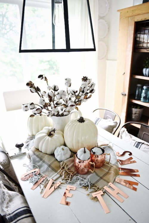 Neutral Fall Centerpiece- Transform your space with these inspired ideas for your Thanksgiving table. They are elegant, gorgeous, and easy to replicate, too! | #Thanksgiving #ThanksgivingCenterpiece #ThanksgivingDecor #ThanksgivingTable #ACultivatedNest