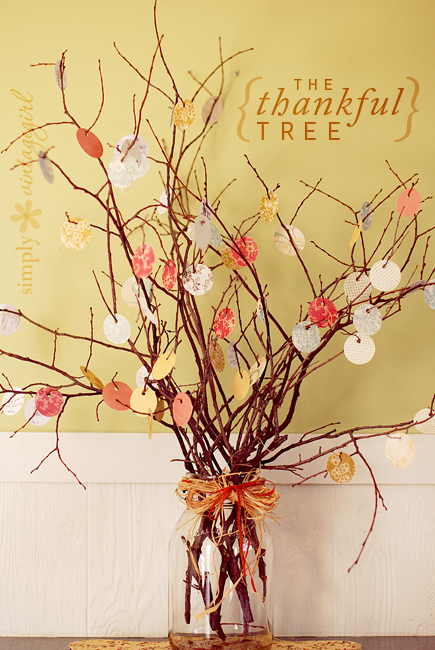 Thanksgiving Thankful Tree- Transform your space with these inspired ideas for your Thanksgiving table. They are elegant, gorgeous, and easy to replicate, too! | #Thanksgiving #ThanksgivingCenterpiece #ThanksgivingDecor #ThanksgivingTable #ACultivatedNest