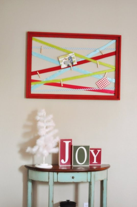 8 Handmade Christmas Card Displays- Are you looking for ways to display that pile of Christmas Cards? Check out these cool Christmas card display holders! These are really great DIY Christmas projects that are suitable for people of all skill levels! | #Christmas #ChristmasCardDisplay #diy #ChristmasDecor #ACultivatedNest