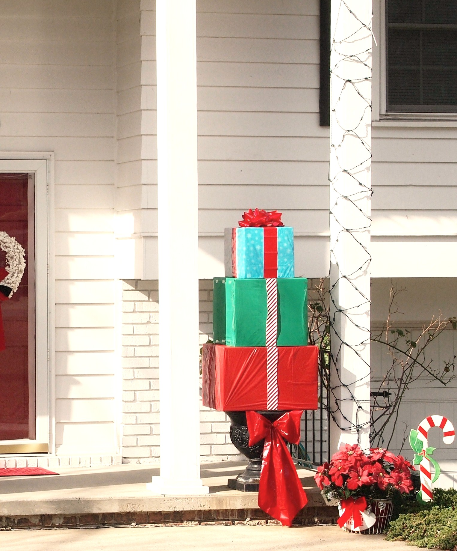 How To Make An Outdoor Christmas Present Topiary A Cultivated Nest