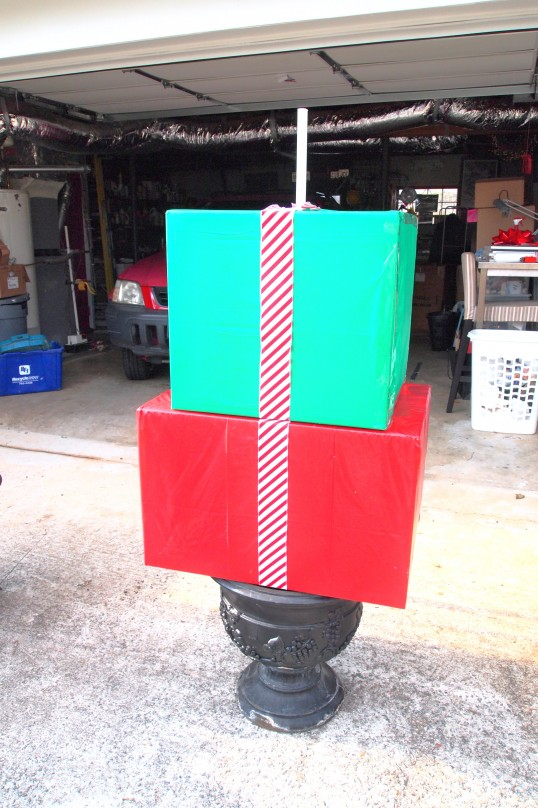 tutorial for making a Christmas present topiary