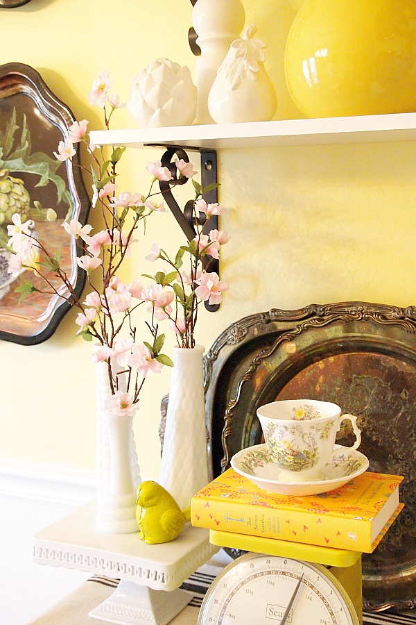 decorating with yellow and white accessories