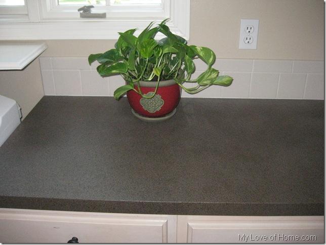 DIY Spray Painted Laminate Countertop