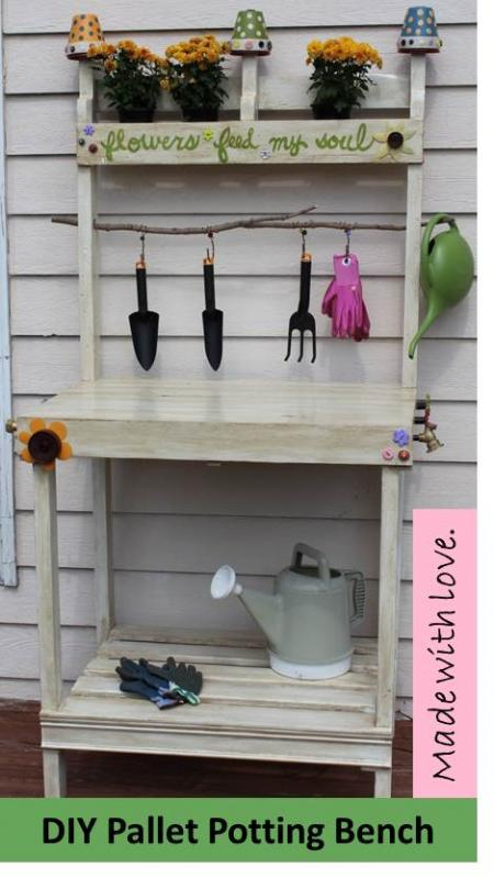 DIY Potting Bench Ideas:  pallet potting bench