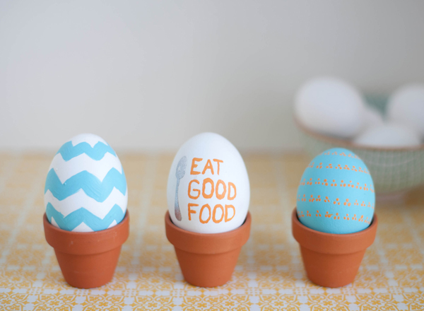 egg decorating ideas - hand painted Easter eggs