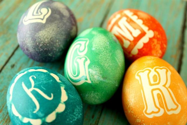 Easter egg decorating ideas - monogram Easter eggs