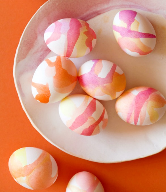 egg decorating ideas - water color Easter eggs