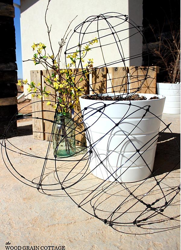 diy wire garden globes