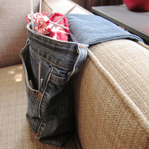 Great ideas for repurposing old jeans like making this denim armrest!