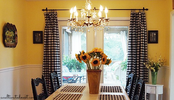 Diy Cheap Curtains   Tablecloths As Curtains