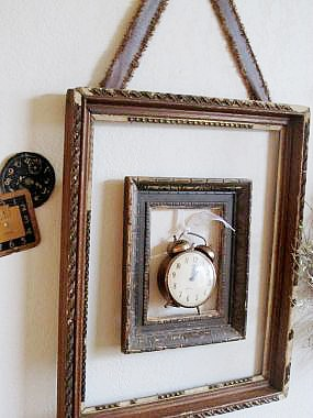 10 Creative Repurposed Picture Frame Projects: framed-clocks