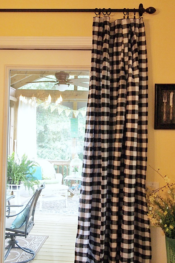Superior Budget Decorating Idea   Tablecloth Curtain