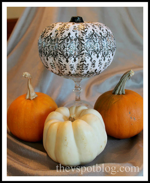10 Stylish No Carve Pumpkin DIYs- A fun and easy way to decorate your home for fall on a budget, is with these 10 stylish no carve pumpkin decorating ideas!   #fallDecorating #fallPumpkins #craft #DIY #ACultivatedNest