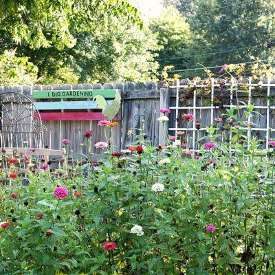 diy pallet garden sign