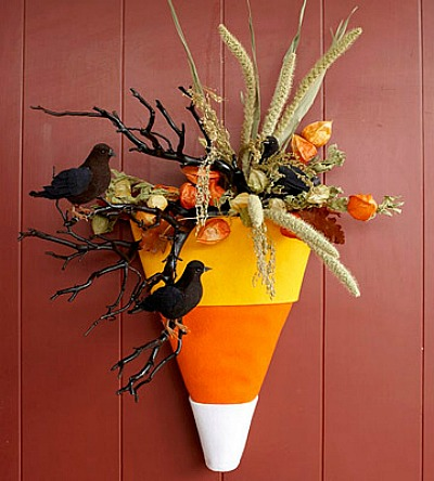12 Candy Corn Inspired Fall Decorating Projects candy-corn-door-decoration
