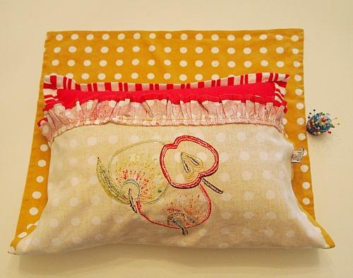 making a no sew tea towel pillow