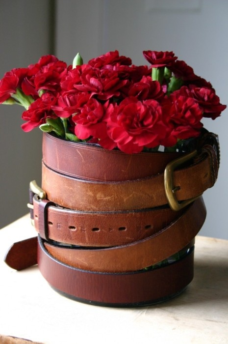 Ideas for repurposing old belts - vase made with repurposed belts