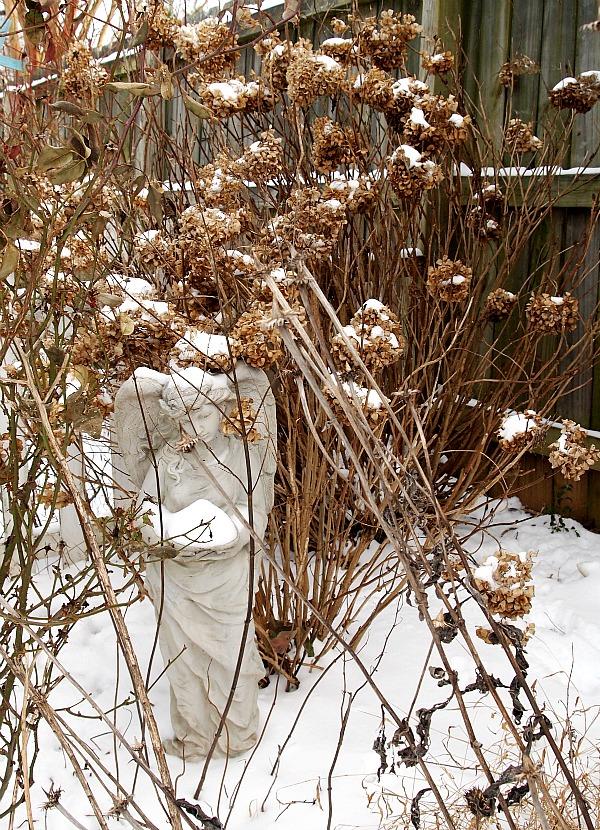 angel statue Atlanta Snow Jam 2014