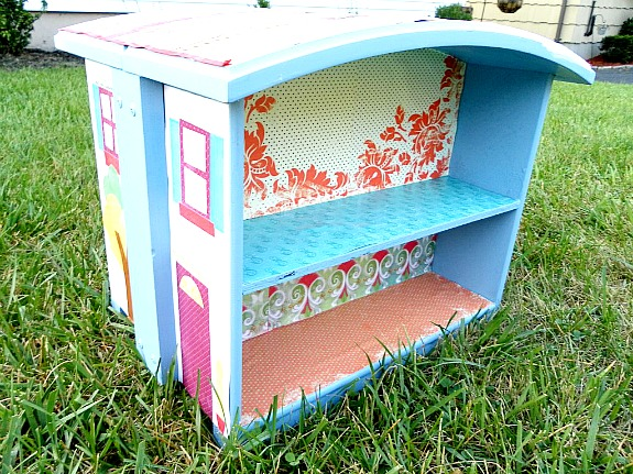dollhouse made from two drawers