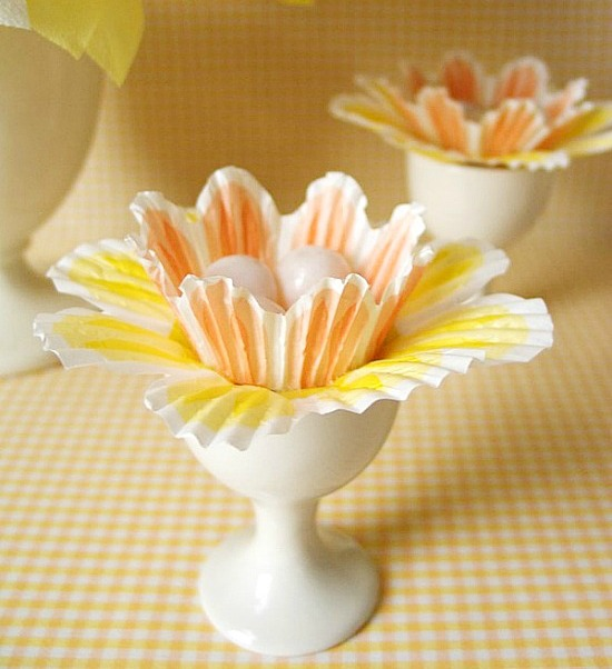 cupcake liner daffodil place setting