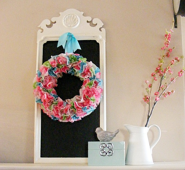 Cupcake liner crafts - cupcake liner wreath