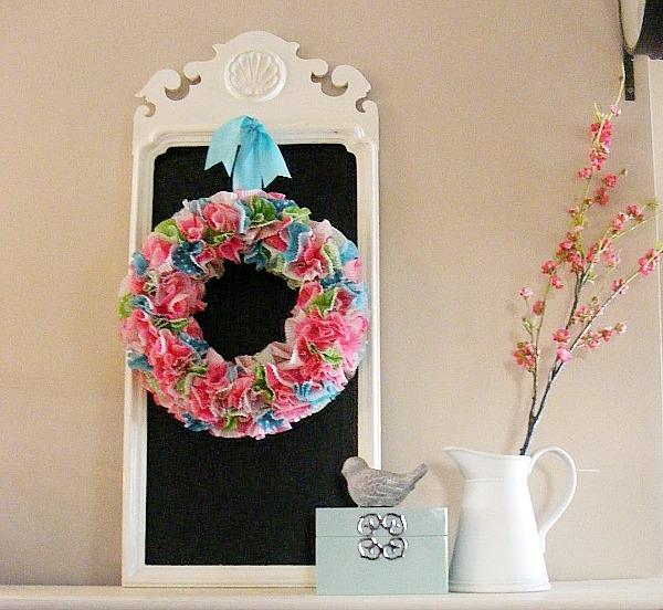 Cupcake liner crafts - cupcake liner wreath