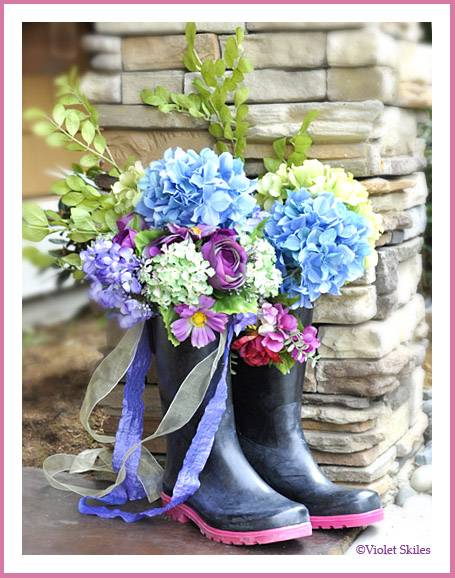 10 Adorable Rain Boot Flower Planters- These DIY rain boot planter ideas are a cute way to decorate for spring, and a great idea for repurposing old or out grown rubber boots! | #rainBoots #diyPlanter #flowerGardening #springDecorating #ACultivatedNest
