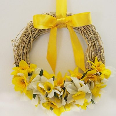 Daffodil Wreath for spring made from dollar store stems