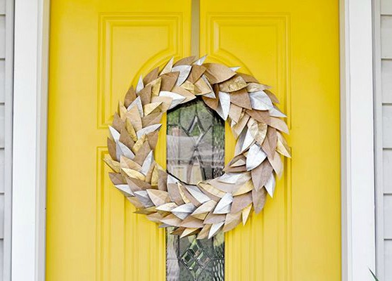 crafting with paper bags - paper bag wreath