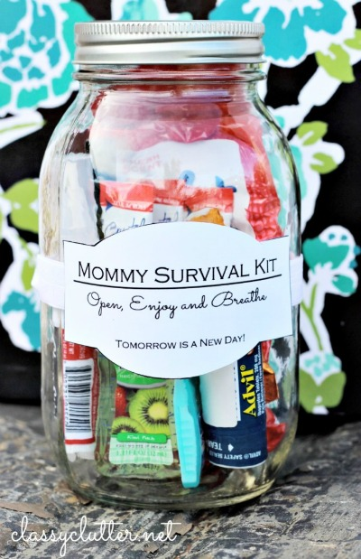 10 Pretty Mother's Day Gifts Using Jars - Skip the stores and try making something this year. Here are 10 Pretty Mother's Day Gifts Using jars to get you started. DIY gift ideas, mason jar crafts, Mother's day gift ideas #mothersday #diygiftideas