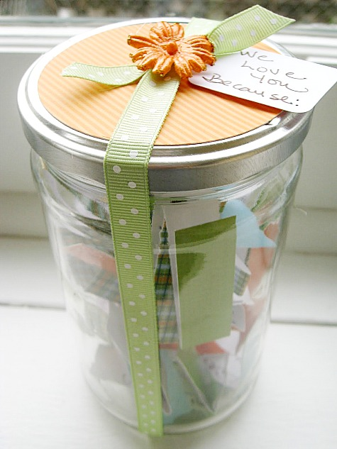 Love in a jar Mother's Day gift| Mother's Day gift roundup