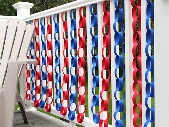 11 Cute DIY Patriotic Decorating Ideas: Patriotic days chain decoration