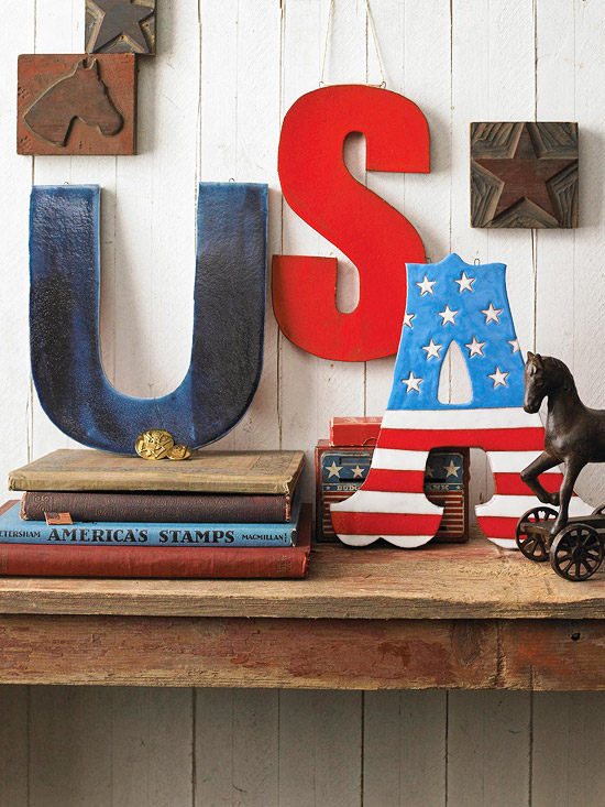 11 Patriotic Decorating Ideas: Painted USA craft letters from BHG