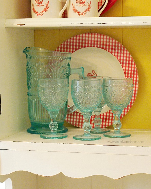 aqua vintage look drinking glasses