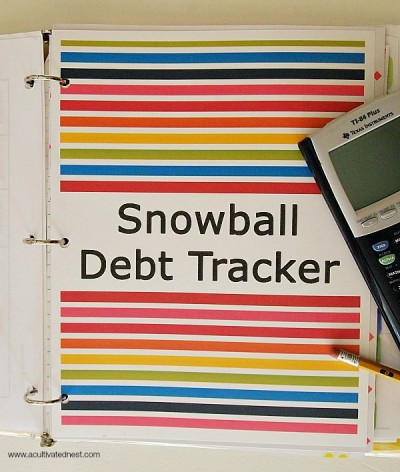 Get Out of Debt By Using The Debt Snowball Method - Are you trying to pay down debt but you're not getting anywhere? Consider using the debt snowball system to get rid of your debt for good. Here's how it works and also a list of Debt Snowball Calculators that you can use. | budgeting, how to get out of debt, paying off bills #debt #debtFree #payOffDebt #getOutOfDebt #debtPayoff #payDownDebt #bills #debtSnowball #daveRamsey