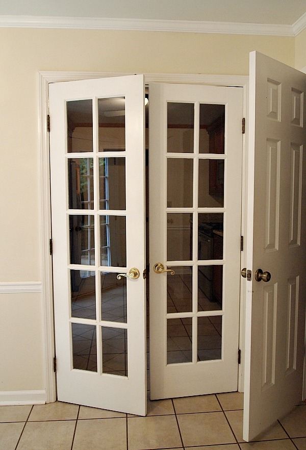 breakfast room french doors