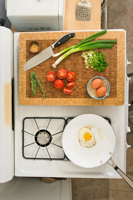DIY burner covers that double as more countertop space via The Kitchnn