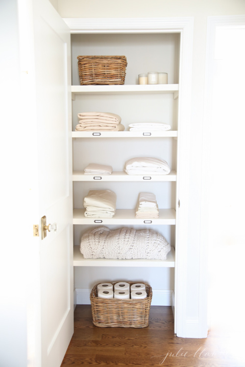 Organizing Your Linen Closet - Organizing your linen closet is easy with these fantastic ideas! Organize your sheets, towels, etc. Lots of great info for organizing that tiny space. | #ACultivatedNest
