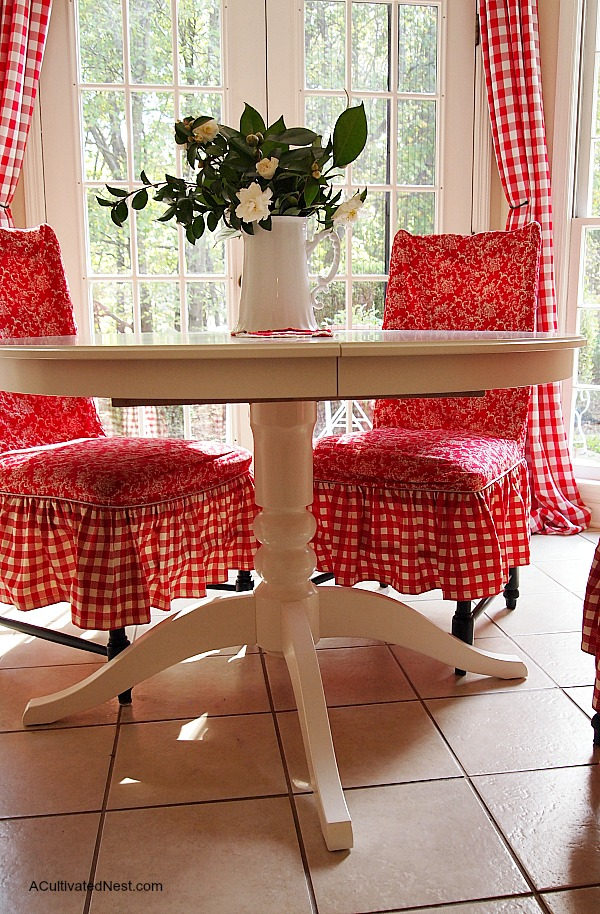 ve got to find some round tablecloths. All mine are oval!