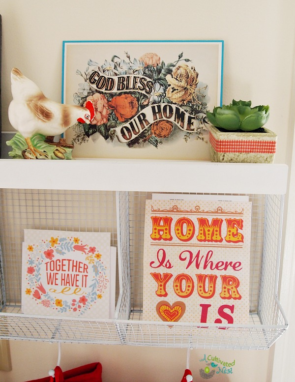 Cute kitchen shelf with vintage ceramic rooster and some free printables