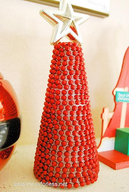 10 Amazing Dollar Store Christmas Decorations like this beaded garland Christmas tree